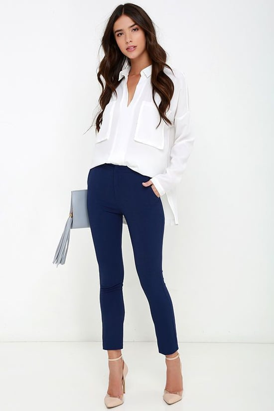 Поєднання синіх штанів з сорочками. Благородні темно-сині штани ... 658ad41c5e17a